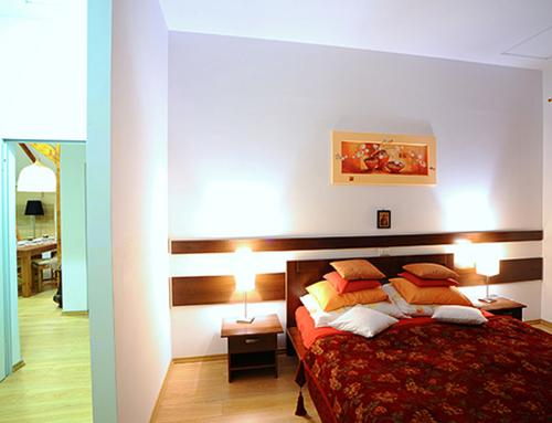 Apartamente 3 Dormitoare + Living